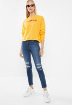 Levi's® - Graphic long sleeve tee - yellow