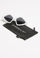 Superbalist - Piper sunglasses - white