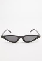 Superbalist - Clic sunglasses - black