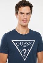 GUESS - Iconic triangle tee - navy