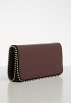 Superbalist - Stud detail bag - burgundy