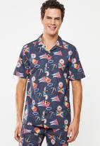 Superbalist - Nautical printed revere collar shirt - blue