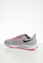 Nike - Air Zoom Pegasus 36 - wolf grey / white /bright crimson/black