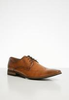 Gino Paoli - Trent pin-punch formal shoe - tan