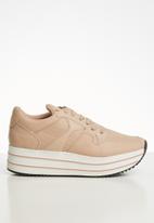 Call It Spring - Baenna metallic platform sneaker - pink