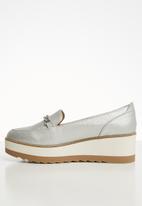 Call It Spring - Deschanel flatform loafer - silver