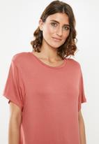 edit - T-shirt dress - pink