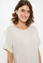 edit - T-shirt dress - neutral