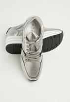 Call It Spring - Baenna metallic platform sneaker - silver