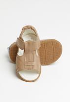 shooshoos - Brown eye sandals - brown