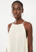 STYLE REPUBLIC - Pleated halter neck top - beige
