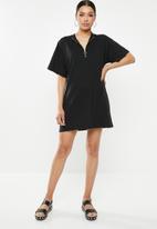 Missguided - Short sleeve T-shirt dress zip front - black