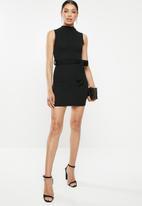 Missguided - High neck tie waist mini dress - black