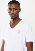 GUESS - Guess V-neck tee - white