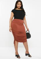edit Plus - Ruched bodycon skirt -  rust