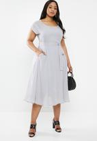 AMANDA LAIRD CHERRY - Plus alessa dress - grey