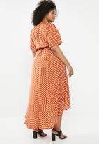 Missguided - Curve polka dot high low wrap midi dress - rust & white