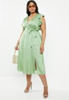 Glamorous - Curve flutter sleeve midi dress- green
