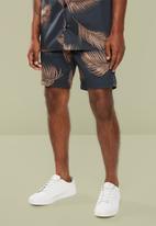 Superbalist - Palm printed elastic volume shorts - black & brown