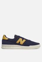 New Balance  - 300 Classic court - navy