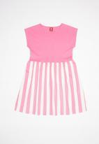 Bee Loop - Single jersey striped dress - pink