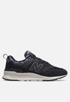 New Balance  - 997 Blossom pack - black & purple