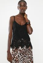 New Look - Lotus crochet cami - black