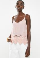 New Look - Lotus crochet cami - pink