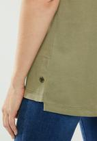 POLO - Ivy capped sleeve tee - green