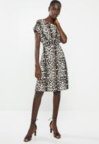 Superbalist - Shift dress with front tucks - multi