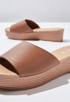 Cotton On - Phoebe flatform sandal - tan