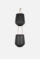 Present Time - Skittle hanging pot in a row - black