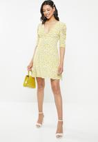 Glamorous - Plunge v-neck puff sleeve - yellow