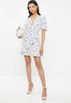 Glamorous - Plunge V-neck frill dress - cream & lilac