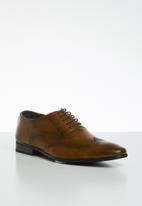 Superbalist - Noel brogue - tan
