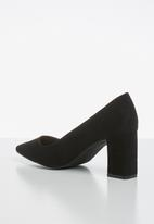 Madison® - Hanna court heel - black
