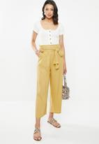 Glamorous - Linen look trousers - mustard