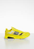 New Balance  - Youth x racer sneaker - yellow