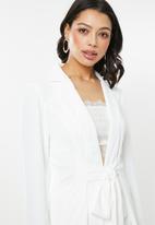 Glamorous - Wrap front lightweight blazer - white