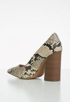 Call It Spring - Yara block heel - black & beige