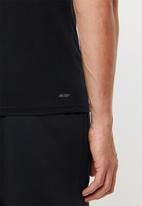 New Balance  - Tenacity heather print - black & white