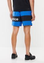 New Balance  - Optiks woven logo short - blue & black