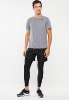 Nike - Superset short sleeve top - grey