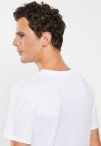 Superbalist - Plain V-neck 2 pack tees - black & white