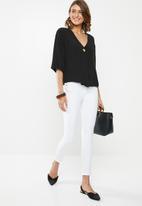 edit - Boxy blouse V-neck - black