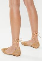 edit - Woven flat - neutral