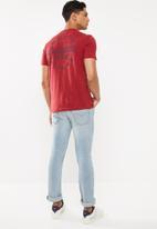 Cotton On - Pasadena customs Tbar moto T-shirt - red