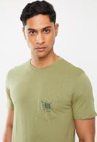 Cotton On - Alpine anchor Tbar souvenir T-shirt - khaki