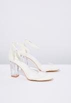 Cotton On - San Luis heel - white & perspex