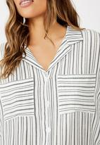 Cotton On - Emily chopped short sleeve shirt  - navy & cream